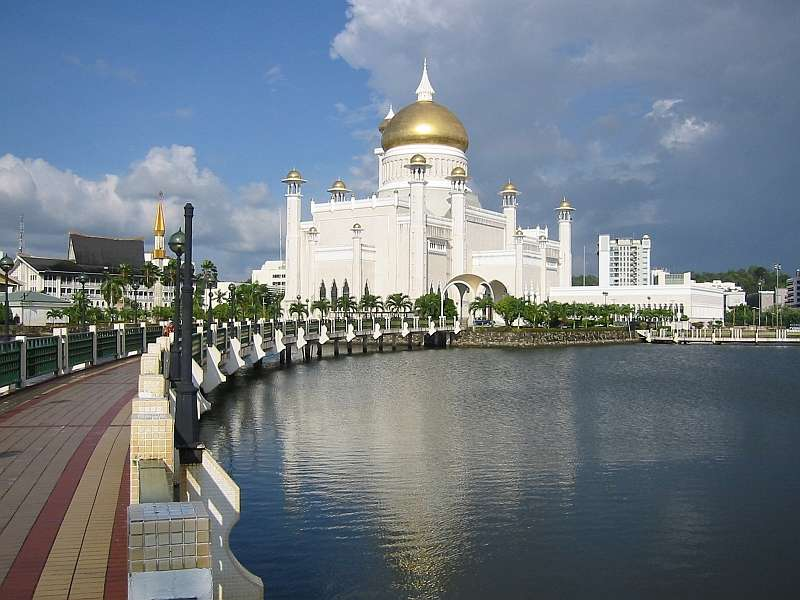 Sultan  Omar  Ali  Saifuddin  Mosque  in  Sultanate  of  Brunei