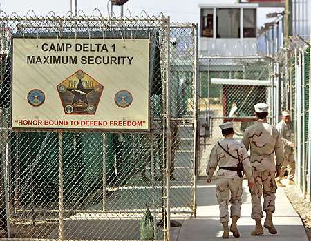Obama Returns to Bush Era on Guantánamo