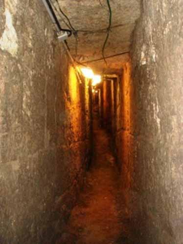 Tunnels under Masjid al-Aqsa