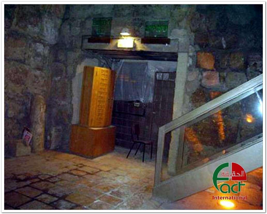 شکاف دیوارها و ستونهای مسجد الاقصی بر اثر حفاریها
