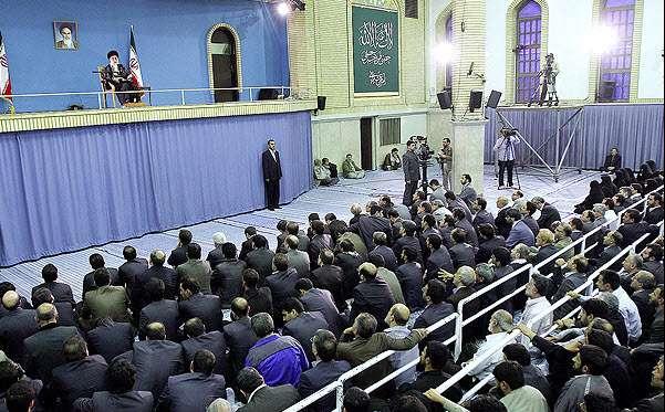 قائد الثورة الاسلامیة : الصحوة الاسلامیة فی العالم امتداد لثورة الشعب الایرانی المسلم