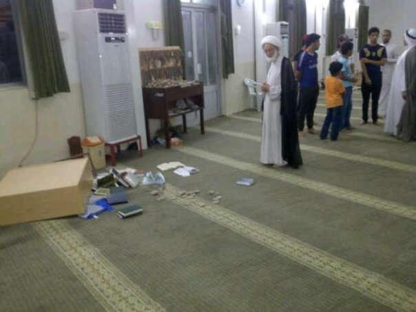 القوات البحرینیة تعتدی على مسجد الامام الصادق بالدراز والحشود تتوافد لإقامة صلاة الجمعة