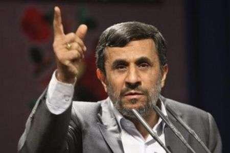 Ahmadinejad Kecam Kebrutalan Polisi Inggris