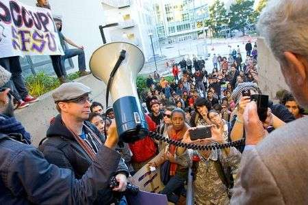 US students join Occupy protests