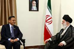 Rahbar dan Wapres Boediono: Fars News