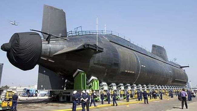 HMS Astute, di pelabuhan Barrow 2008.