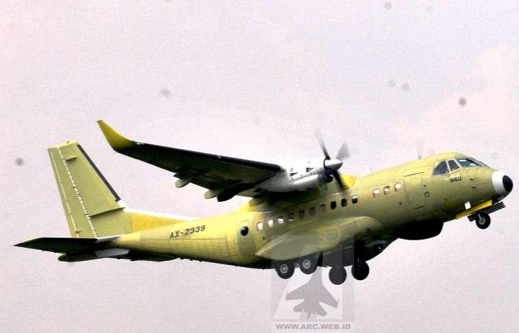 Indonesia Sukses Uji Terbang Pesawat CN-235