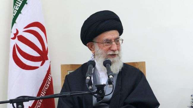 Ayatullah Sayyid Ali Khamenei, Pemimpin Revolusi Islam di Iran