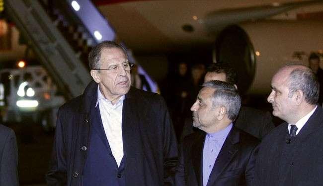 Sergei Lavrov, tiba di bandara, Selasa 10/12/13 (al-Alam)