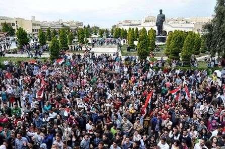 Demo Mahasiswa dan rakyat Suriah