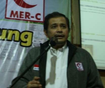 Joserizal Jurnalis, ahli kesehatan Indonesia, pendiri Mer-C (Wikipedia)
