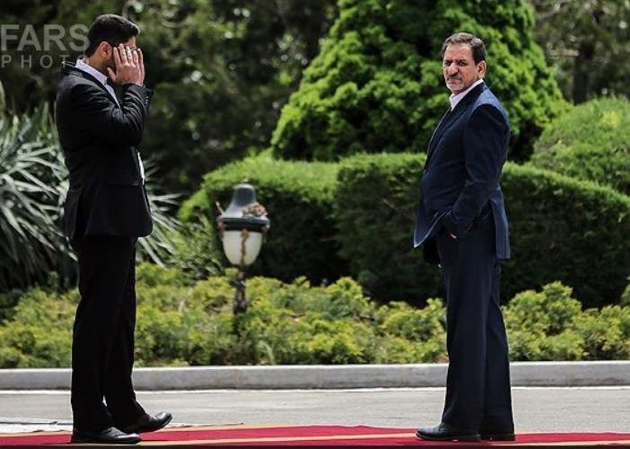تہران، ایرانی نائب صدر کیجانب سے وزیراعظم نواز شریف کے شاندار استقبال اور گارڈ آف آنر کی تصویری جھلکیاں