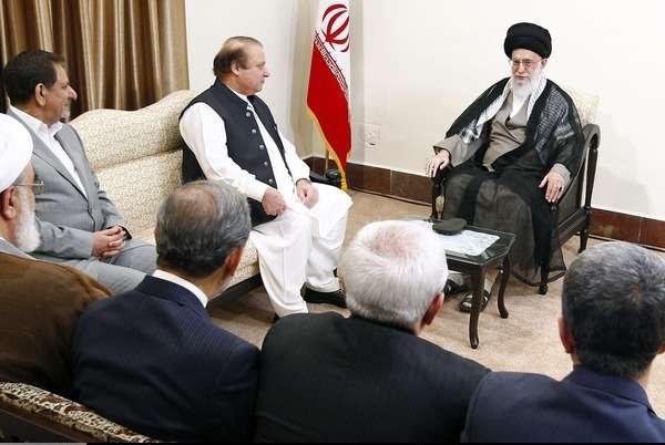 تہران، وزیراعظم میاں محمد نواز شریف کی رہبر معظم انقلاب سید علی خامنہ ای سے ملاقات