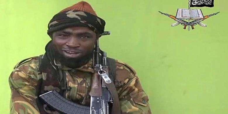 Pemimpin Boko Haram, Abubakar Shekau dalam video terbaru yang dirilis pada Senin (12/5/2014). (AFP/Kompas)