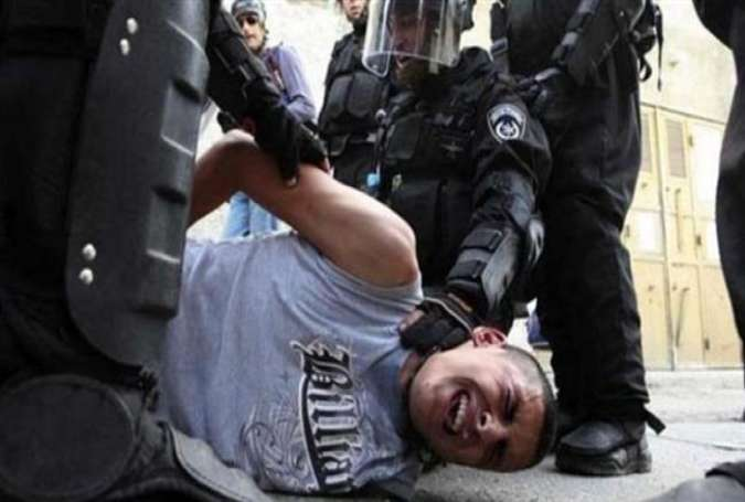 Pemuda Palestina, di tangan tentara Zionis Israel.jpg