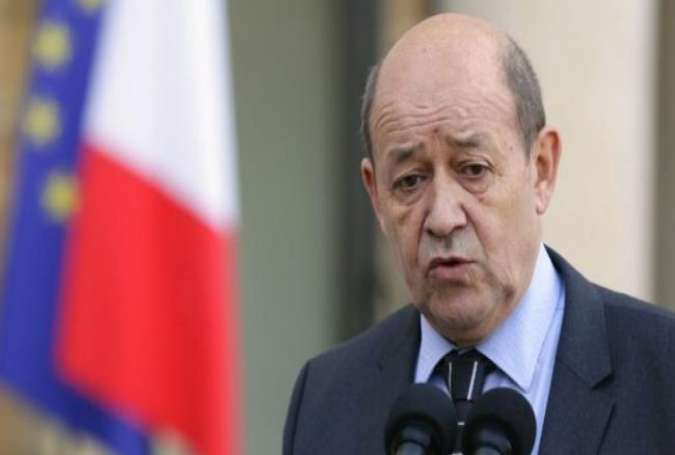French Jets Strike ISIL oil Sites in Syria: DM