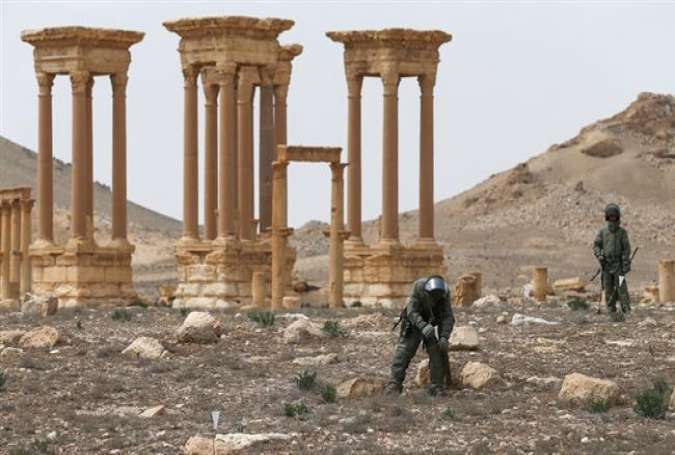 Russian demining engineers are searching for Daesh-planted mines in Palmyra.