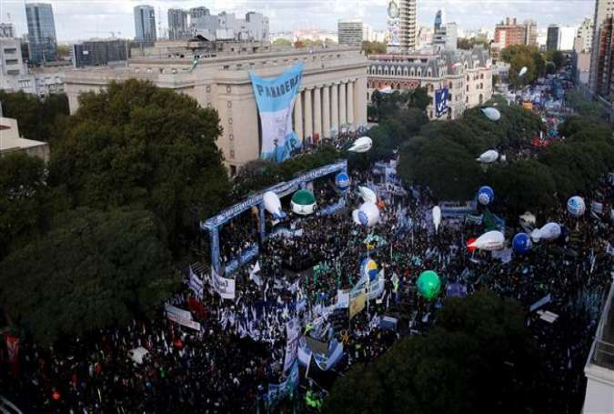 Workers gather to protest against President Mauricio Macri's policies during a demonstration in Buenos Aires, Argentina, April 29, 2016.