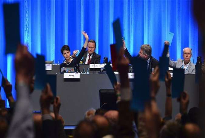 Delegates vote during a party congress of the German right wing party AfD at the Stuttgart Congress Centre ICS in Stuttgart, southern Germany, May 1, 2016.