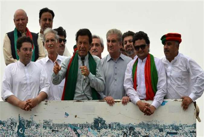 Imran Khan leads another huge rally in Islamabad