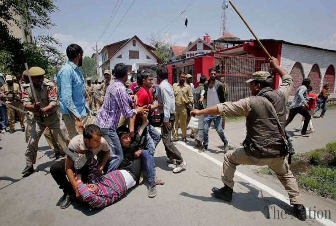 Over 25 wounded in Kashmir's Clashes as Curfew Remains for 41st Day