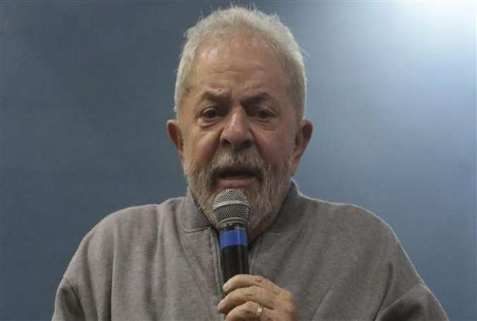 Former Brazilian president Luiz Inacio Lula da Silva gives a speech in Sao Paulo, Brazil, September 9, 2016.
