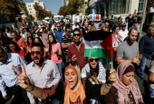 Jordanian protesters chant slogans during a protest against a government agreement to import natural gas from the Israeli-occupied territories, in Amman, Jordan, on October 7, 2016.