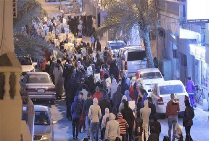 Bahrainis rally in support of Shia cleric Sheikh Isa Qassim in his native village of Diraz near the capital, Manama, on January 6, 2017.