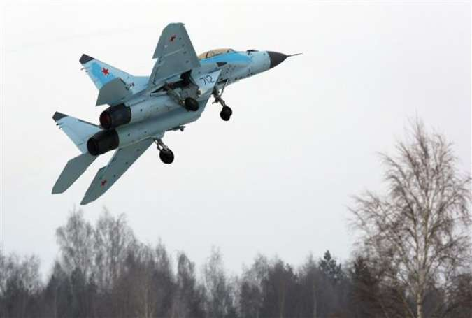 A Russian multipurpose MiG-35 jet fighter flies during its presentation at the MiG plant in Lukhovitsy, January 27, 2017.