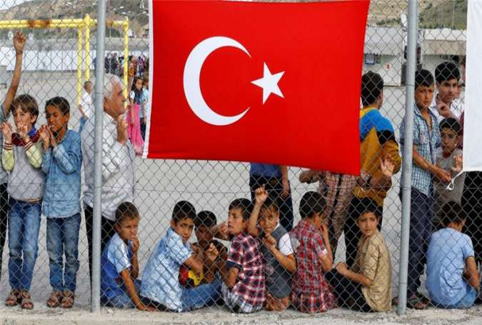 Turkey threatens EU with Sending 15k Refugees in Month to 'Blow Its Mind'