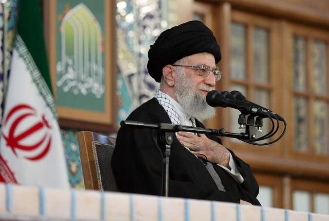 دشمن ایران کے قدرتی ذخائر پر تسلط کی خواہش اپنی قبر میں ساتھ لیکر جائیں گے، آیت اللہ العظمٰی سید علی خامنہ ای