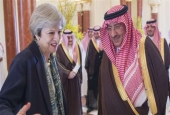 Saudi Crown Prince Mohammad bin Nayef bin Abdulaziz Al Saud (R) meets with British Prime Minister Theresa May in the capital Riyadh, April 4, 2017. (Photo by AFP)