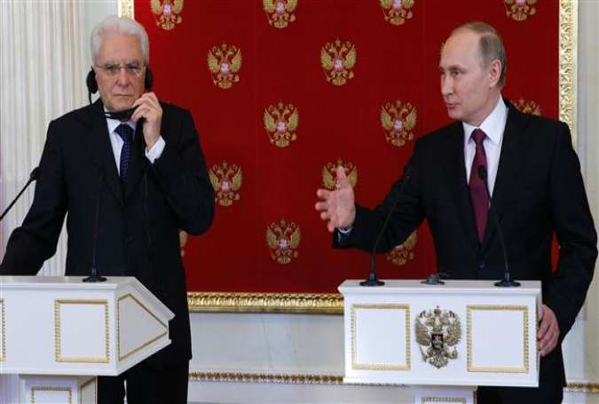Russian President Vladimir Putin (R) speaks at a press conference next to his Italian counterpart, Sergio Mattarella, after their talks at the Kremlin in Moscow on April 11, 2017. (Photo by AFP)