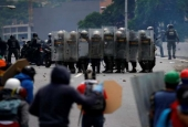 Death toll from Venezuela unrest hits 42 as violence continues