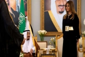 Melania Trump takes her seat next to Saudi Arabia's King Salman as he welcomes her and U.S. President Donald Trump, May 20, 2017.