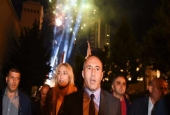 Ramush Haradinaj (C), the leader of the Alliance for Future of Kosovo, takes part in a celebration of his coalition's anticipated victory, in Pristina, Kosovo, early on June 12, 2017. (Photo by AFP)