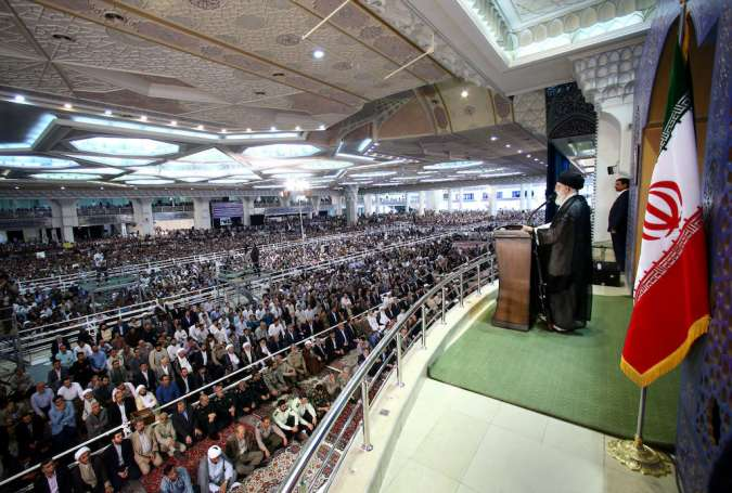 Ayatollah Khamenei addressing Eid ul-Fitr prayers congregation in Tehran, June 26th 2017