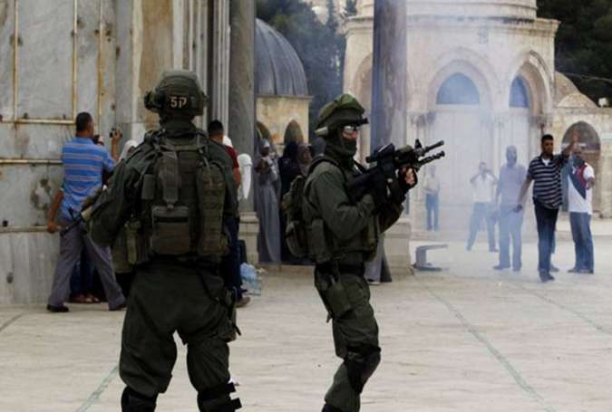Israeli Troops Kill 3 Palestinians in al Quds, Lock al Aqsa Mosque