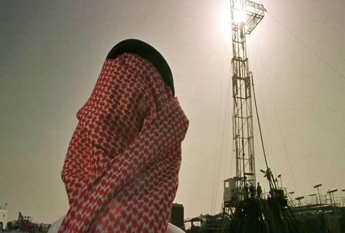 Oil-dependent Saudi Economy Grappling with Deficit