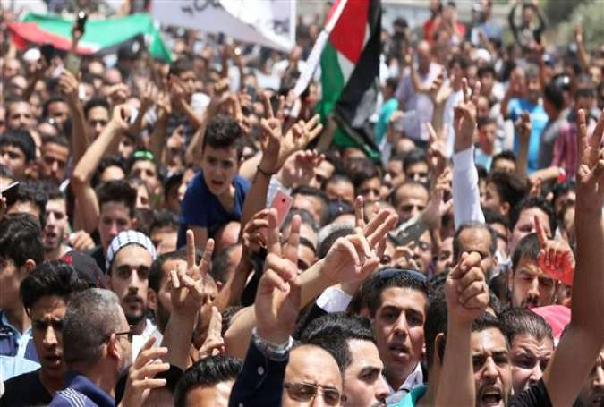 Protesters in Amman call for closure of Israeli embassy