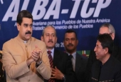 Venezuelan President Nicolas Maduro (L) hosts a Bolivarian Alliance for the Peoples of Our America (ALBA) meeting in the capital, Caracas, on August 8, 2017. (Photo by AFP)