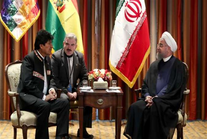 Iranian President Hassan Rouhani (R) and his Bolivian counterpart, Evo Morales, meet in New York on September 18, 2017. (Photo by president.ir)