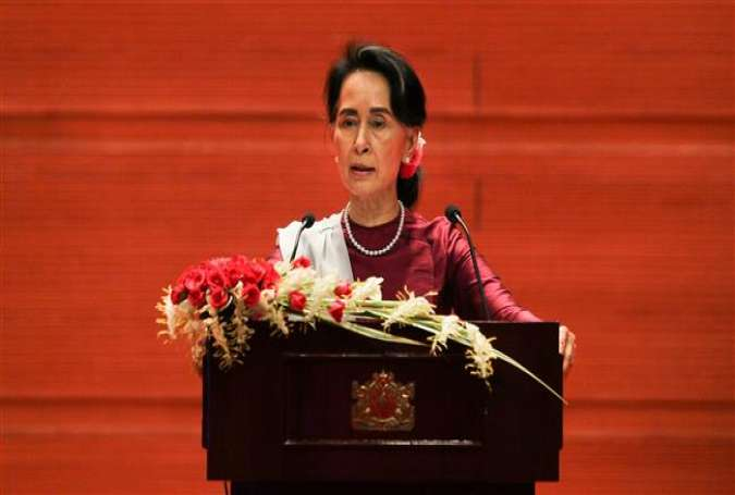 Myanmarese State Counsellor Aung San Suu Kyi delivers a national address in Naypyidaw on September 19, 2017. (Photo by AFP)