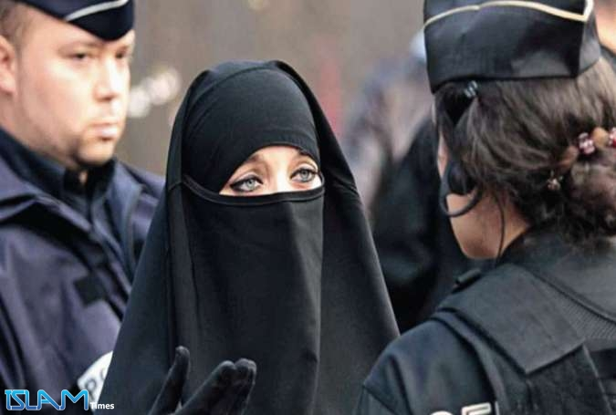 Full Facial Covering Banned for Muslim Women in Quebec, Canada