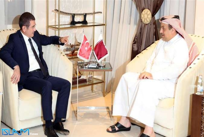 Turkish Minister of Defense Nurettin Canikli (L) and his Qatari Counterpart Khalid bin Mohammad Al Attiyah in Doha, Qatar, on November 04, 2017