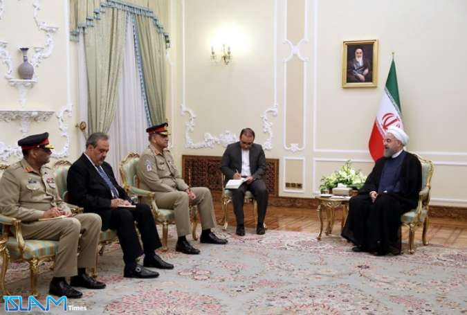 Iran's President Rouhani meets Pakistan Military Chief in Tehran