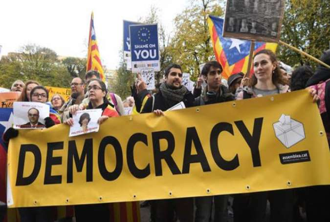Spain warns EU about disinformation campaign on Catalonia