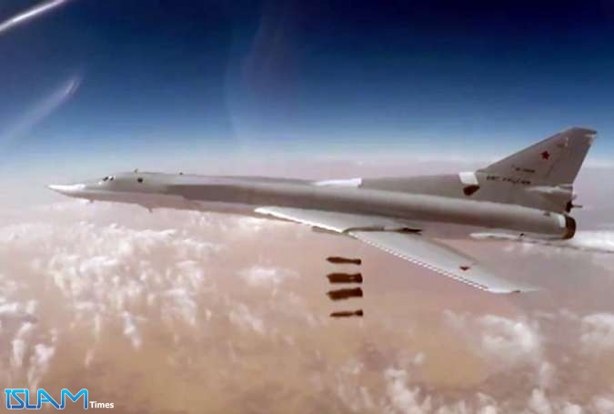 Russian Warplanes Target ISIS Remnants in Syria's Deir ez-Zor