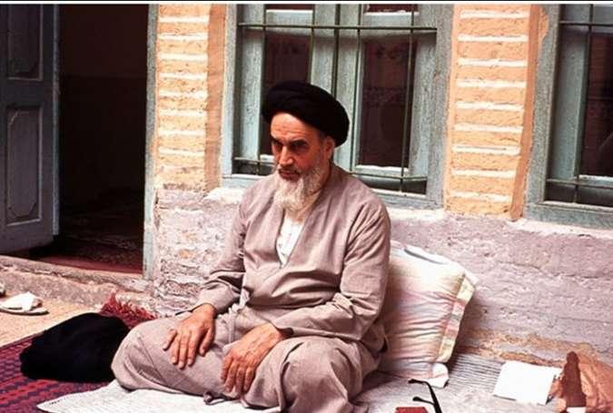 تابش انقلاب ایران فراتر از نظریهها