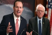 Senators Mike Lee and Bernie Sanders introduce a joint resolution to remove US armed forces from hostilities by the Saudi-led coalition against Yemen on Capitol Hill February 28, 2018 in Washington, DC. (Photo by AFP)